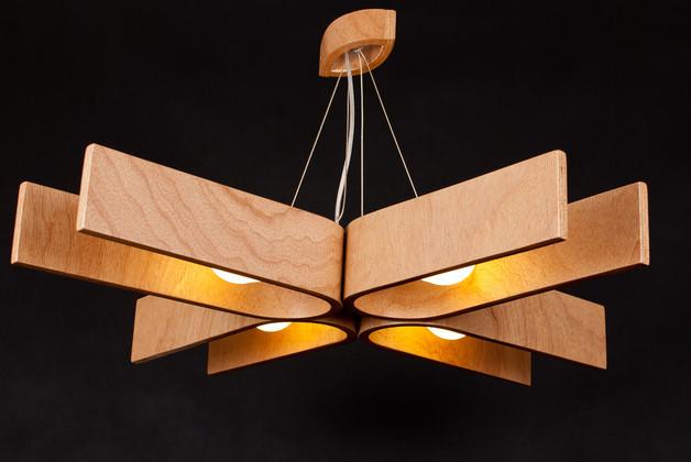 drewniany-zyrandol
