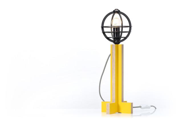 zolta-lampa-stojaca