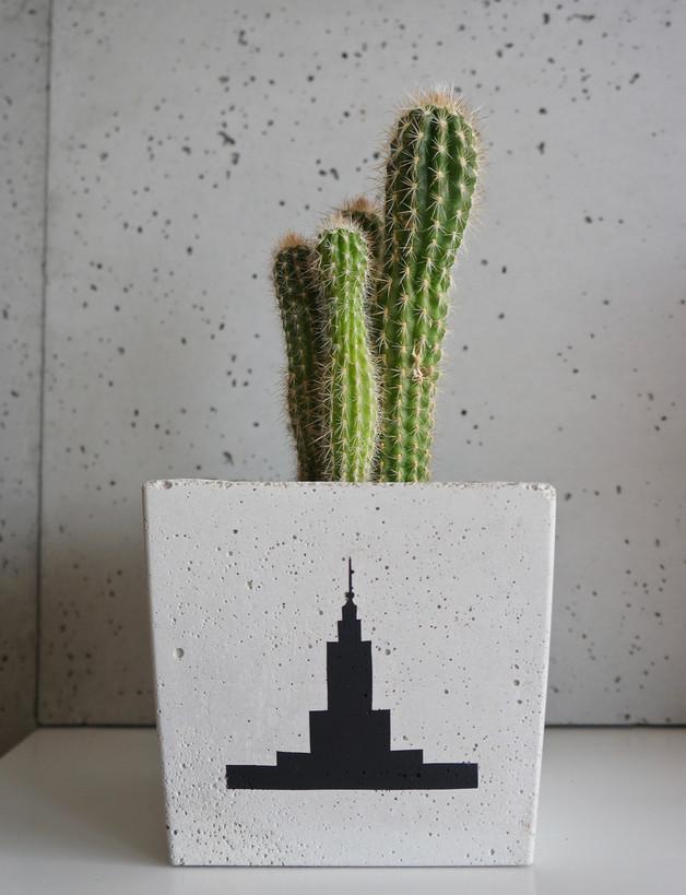 doniczka-betonowa-palac-kultury