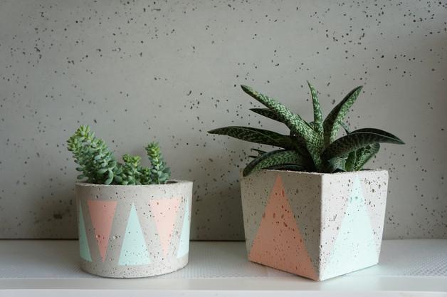 betonowe-doniczki-pastele-trójkąty
