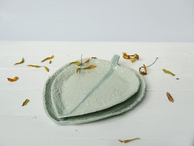 ceramika-liście-miętowe-talerze