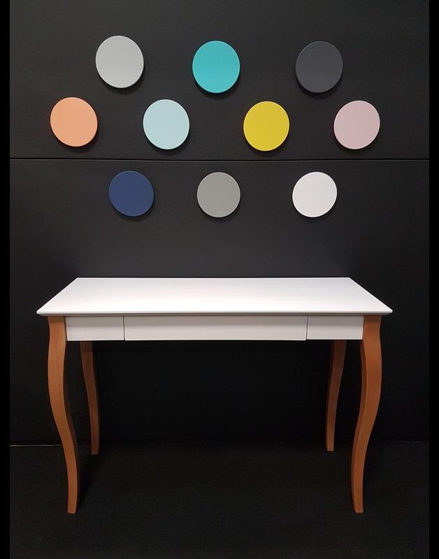 drewniane-biurko-biały-blat
