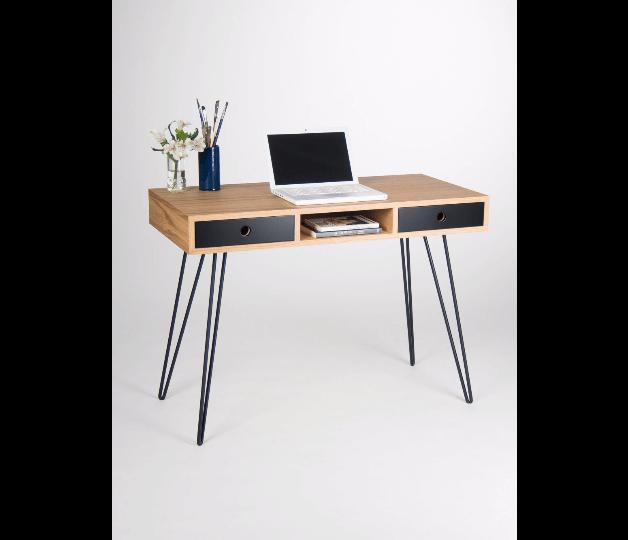 drewniane-biurko-czarne-metalowe-nogi