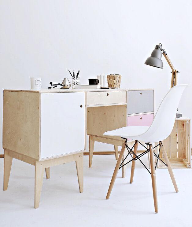 drewniane-biurko-styl-skandynawski