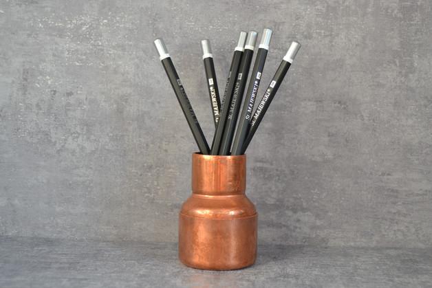 miedziany-pojemnik-na-długopisy