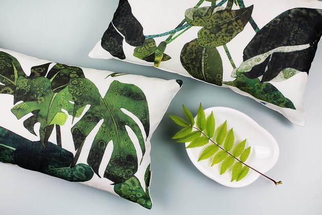 poduszka-liście-monstera-greenery-kolor-roku