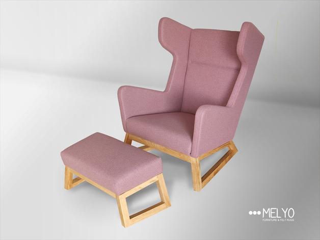 różowy-fotel-podnóżek-pastele