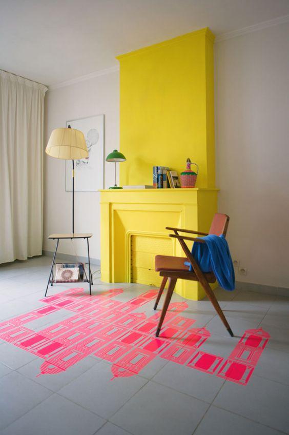 żółty kominek