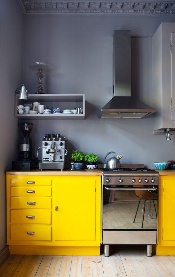 żółta kuchnia żółte meble