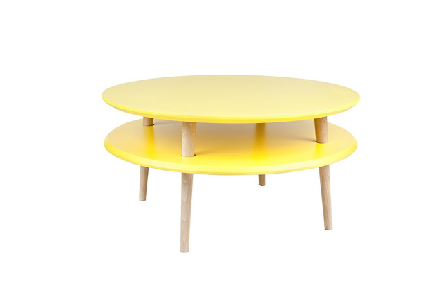 żółty-okrągły-stolik