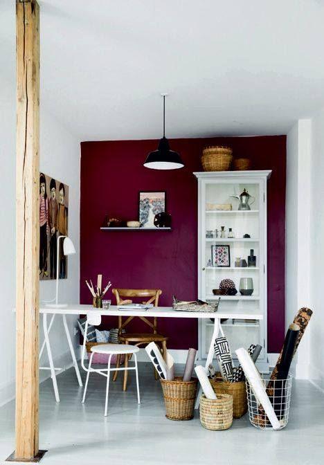 ściany w kolorze wina