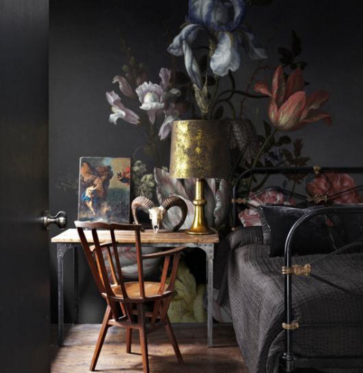 czarne-ściany-fototapeta-z-kwiatami