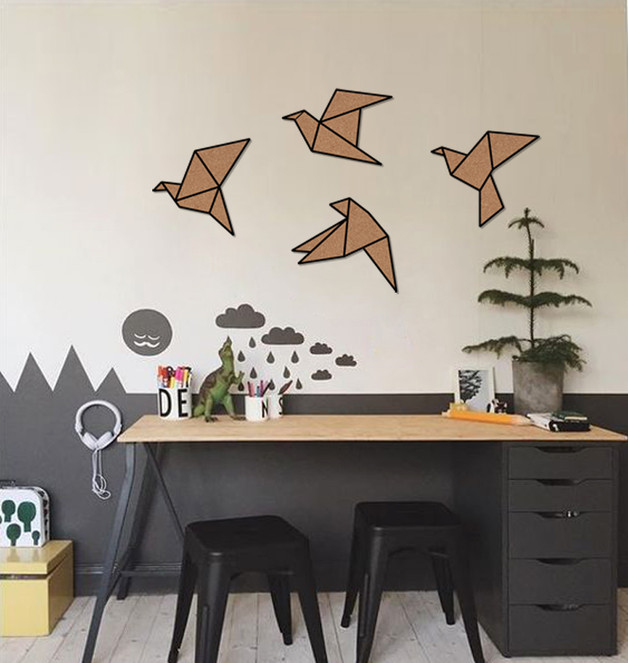 korkowa-dekoracja-na-ścianę
