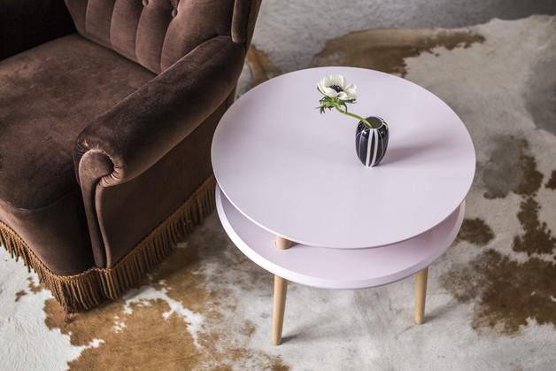 okrągły-stolik-pudrowy-róż