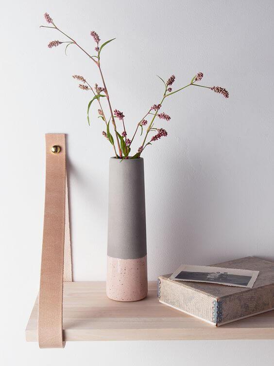 wysoki wazon na kwiaty