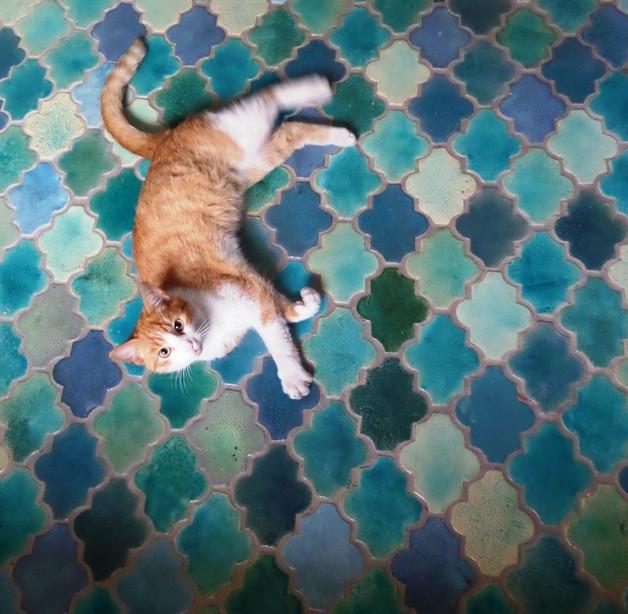 kafle maroko turkus podłoga patchwork wnętrza inspiracja