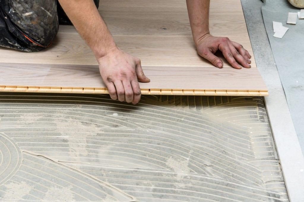układanie podłogi