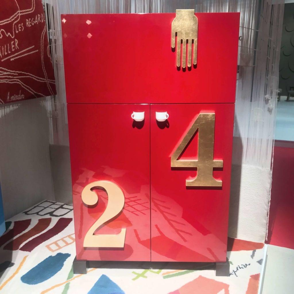 czerwona szafka