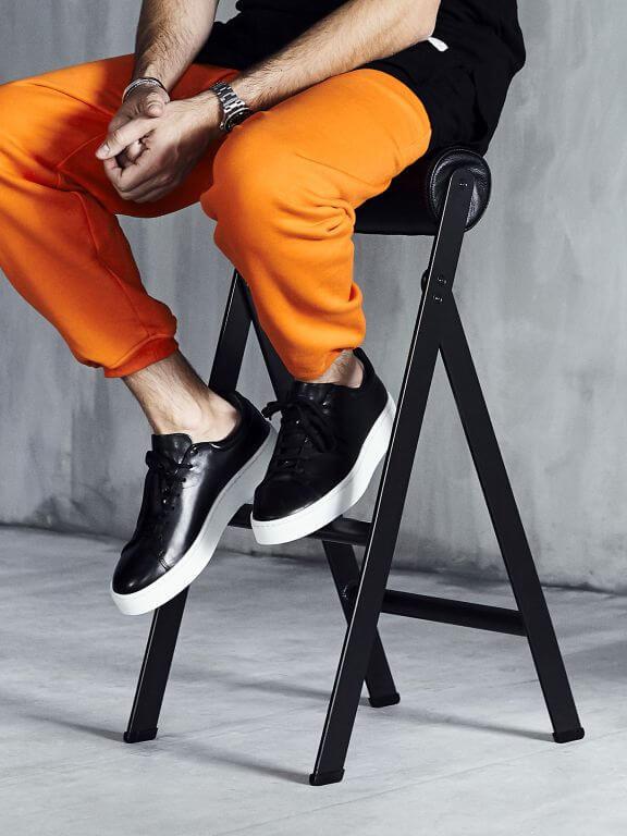 krzesło-Maja-Ganszyniec-i-Chris-Stamp
