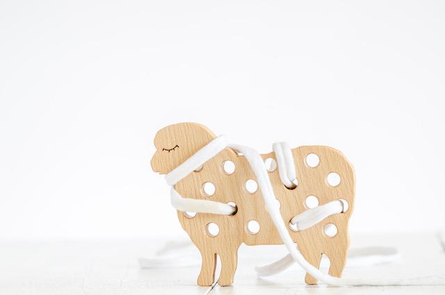 ekologiczne zabawki na sznurku