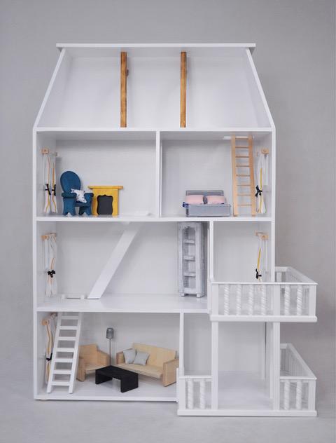 ekologiczne zabawki- domek drewniany
