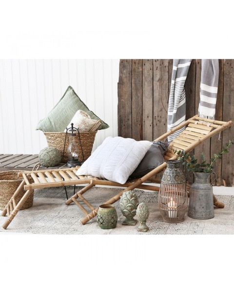 leżak bambusowy