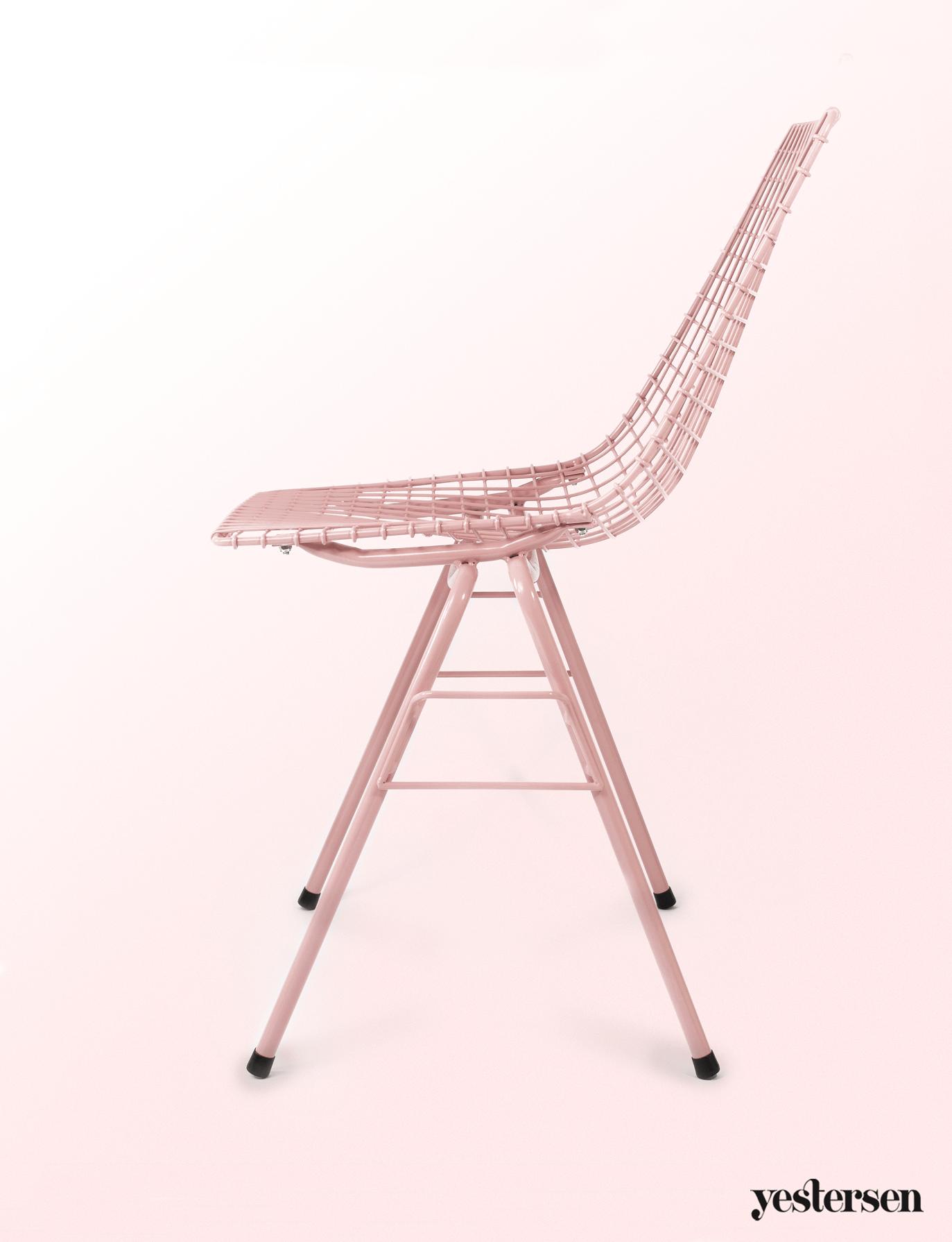 Krzesło-siatkowane-różowe
