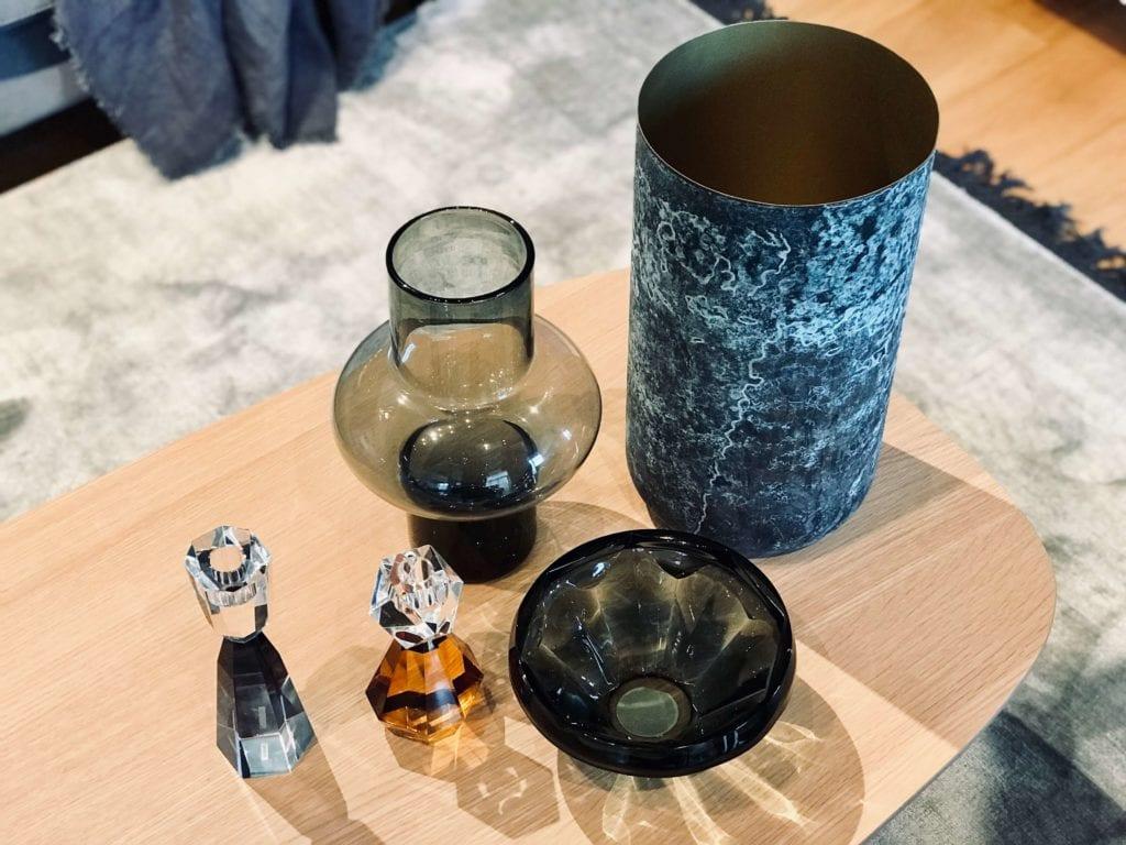 dekoracje szklane metalowy wazon