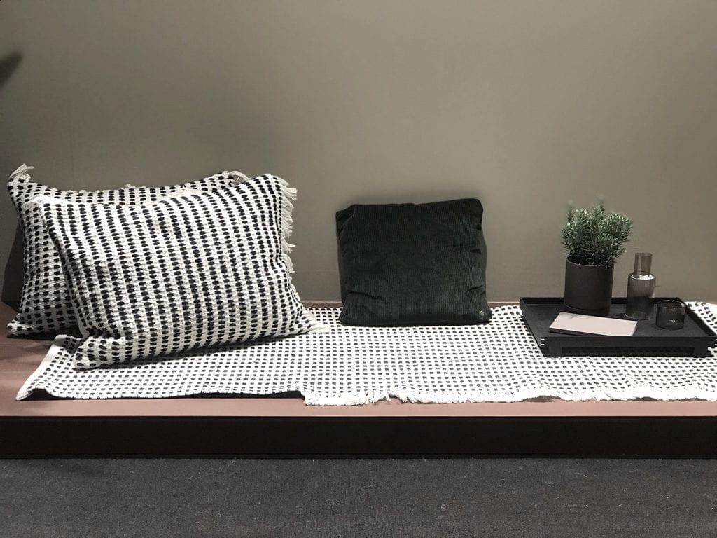 siedzisko w stylu orientalnym