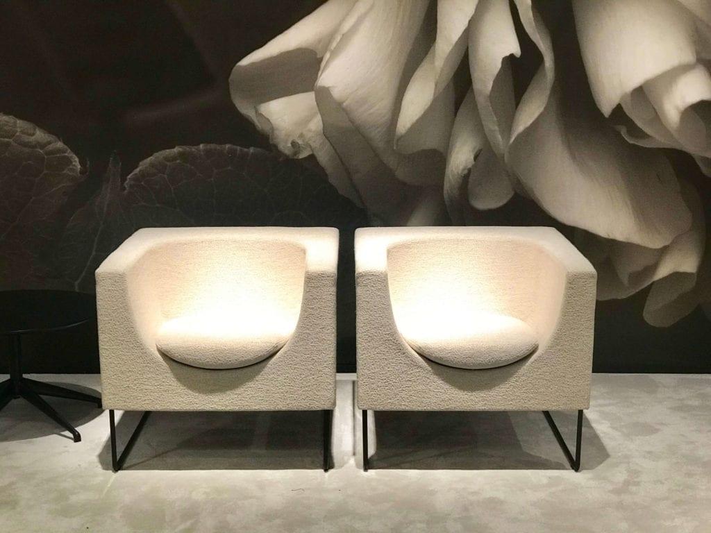 Stua fotele dopasowane do kształtu człowieka