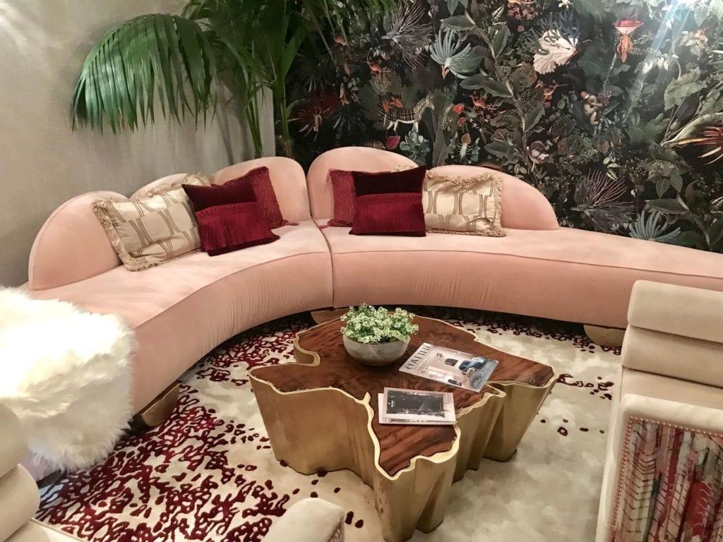 Brabbu różowa sofa trend