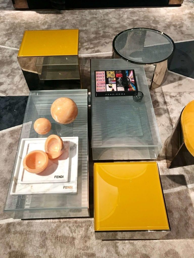 Fendi stolik kawowy z kilku szklanych stolików