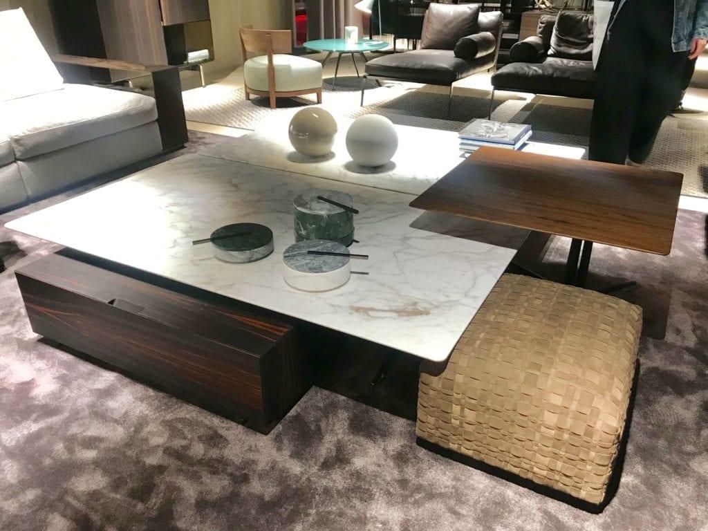 stolik kawowy z marmuru z dodatkiem drewna