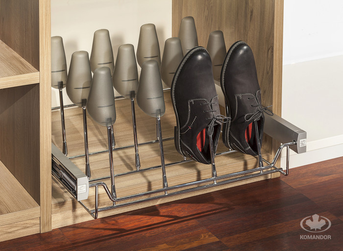 półka z prawidłami na buty