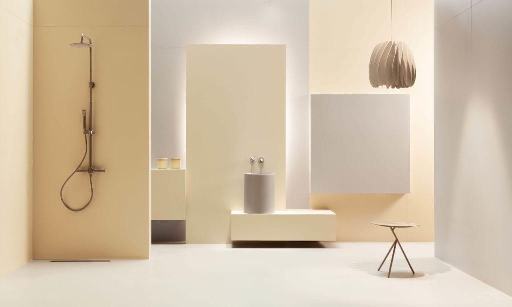 Inspiracje łazięka żółte gresowe płyty wielkoformatowe prysznic
