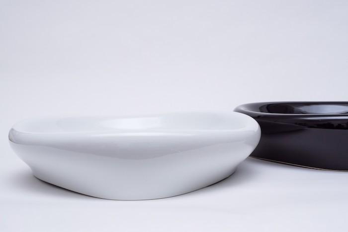 umywalki biała i czarna