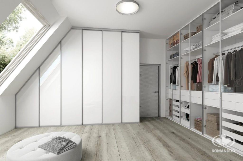 Garderoba dla pary na poddaszu