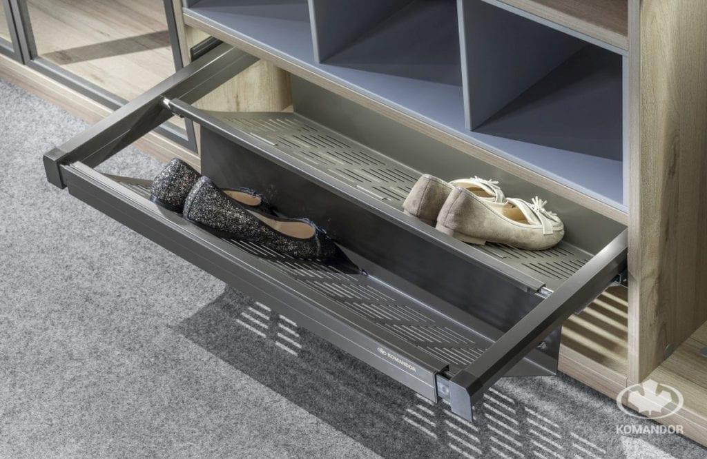 wysuwana szuflada na damskie buty