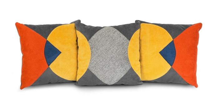 Różne rodzaje poduszek dekoracyjnych inspiracje bauhaus szare geometryczne poduszki