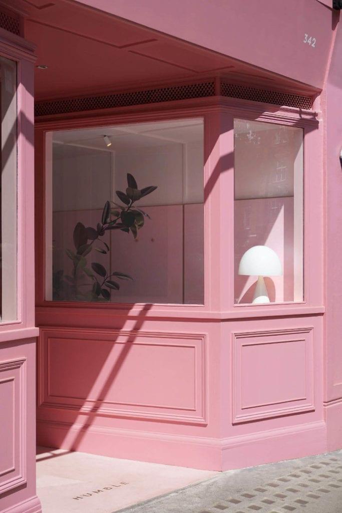 Różowa elewacja lata 50 pop up Mid-century modern