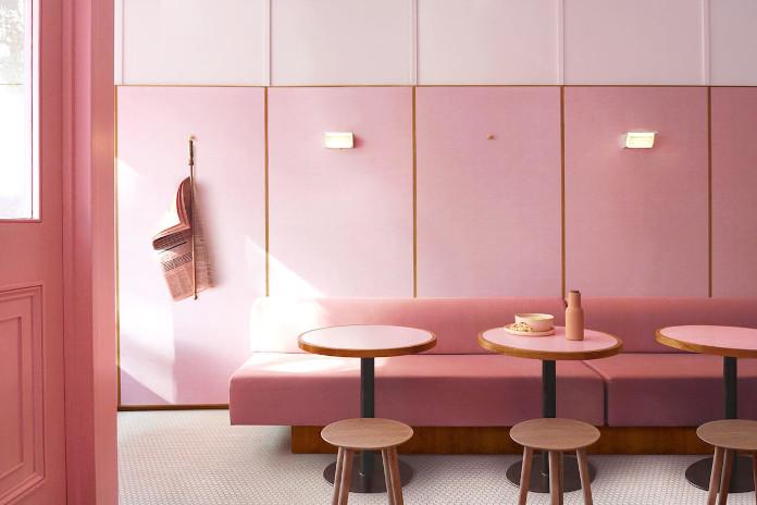 Różowe wnętrze reastauracja Londyn stoliki różowa sofa inspiracje