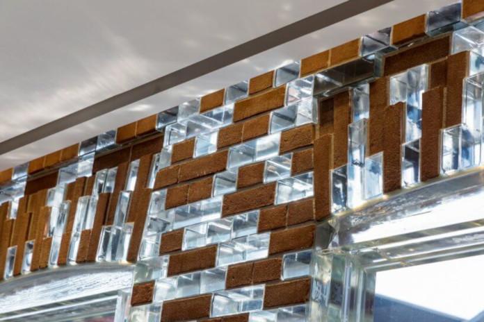 Elewacja z cegły szklanej fasada Amsterdam hermes chanel sklep design architektura