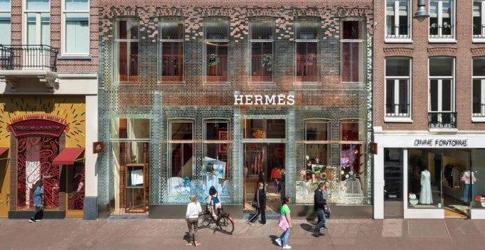 Elewacja z cegły szklanej Amsterdam hermes sklep design