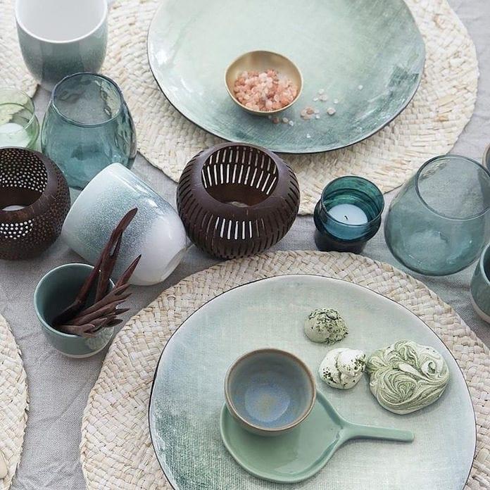 jak ozdobić stół porcelana