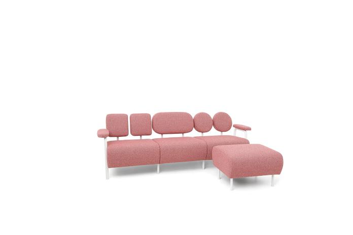 So_FEM Magdalena Kasprzycka kolekcja Audrey kanapa czerwona na wysokich nóżkach sofa design polski