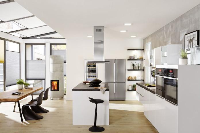 Comitor nowa kuchnia biała podłoga okap stół jadalnia piekarnij krzesło kuchnia z wyspą