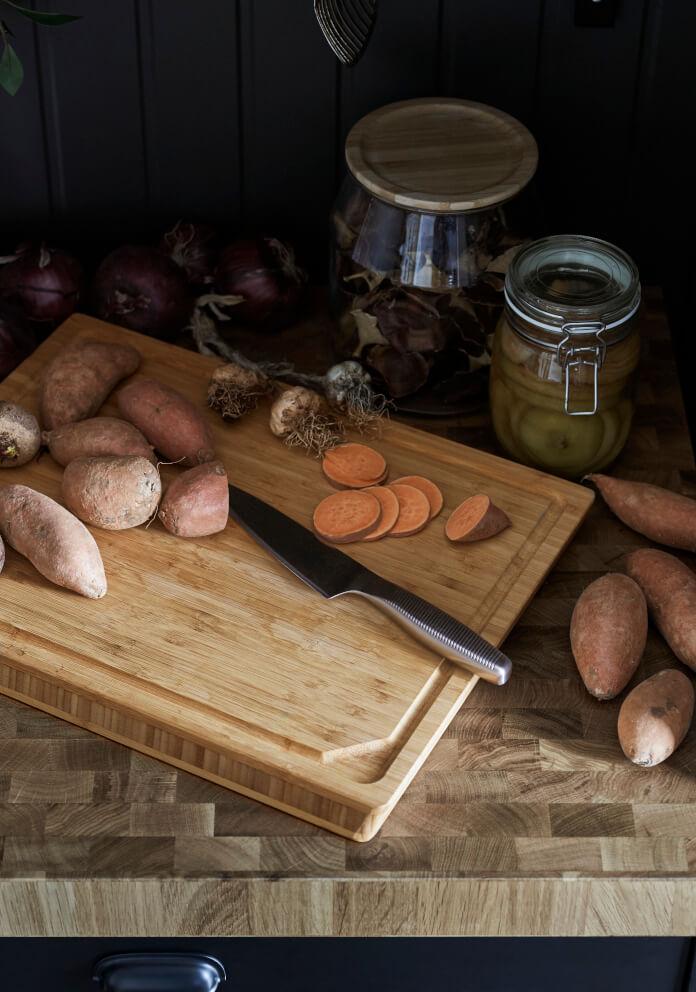 Deska do krojenia ikea słoik nóż inspiracje dodatki do kuchni