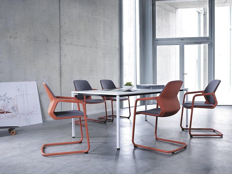 Mies van der Rohe przestrzeń biurowa w stylu nowoczesnym