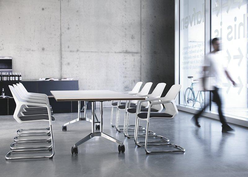 przestrzeń biurowa w stylu nowoczesnym