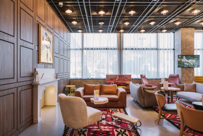 Aranżacje hotelu lobby cafe restauracja sofa krzesło dywan